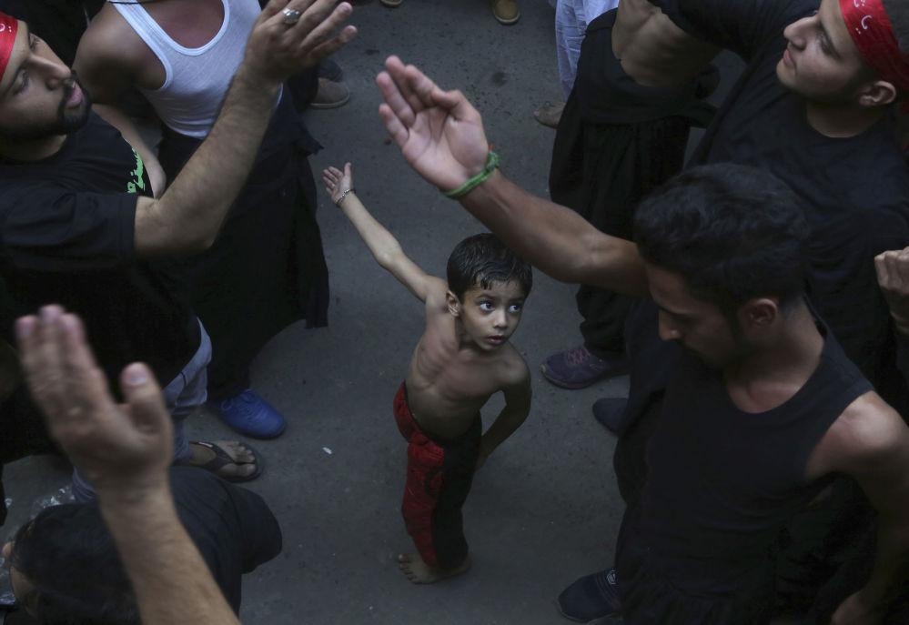 Oslavy šíitského svátku připomínající úmrtí imáma Husajna (Pakistán).