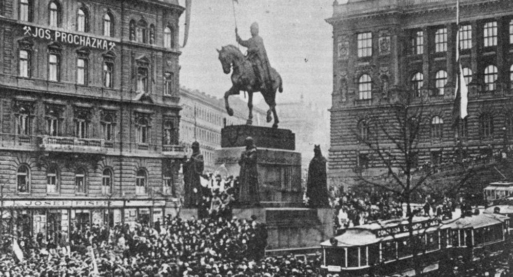 Mítink na Václavském náměstí v Praze dne 28. října 1918.