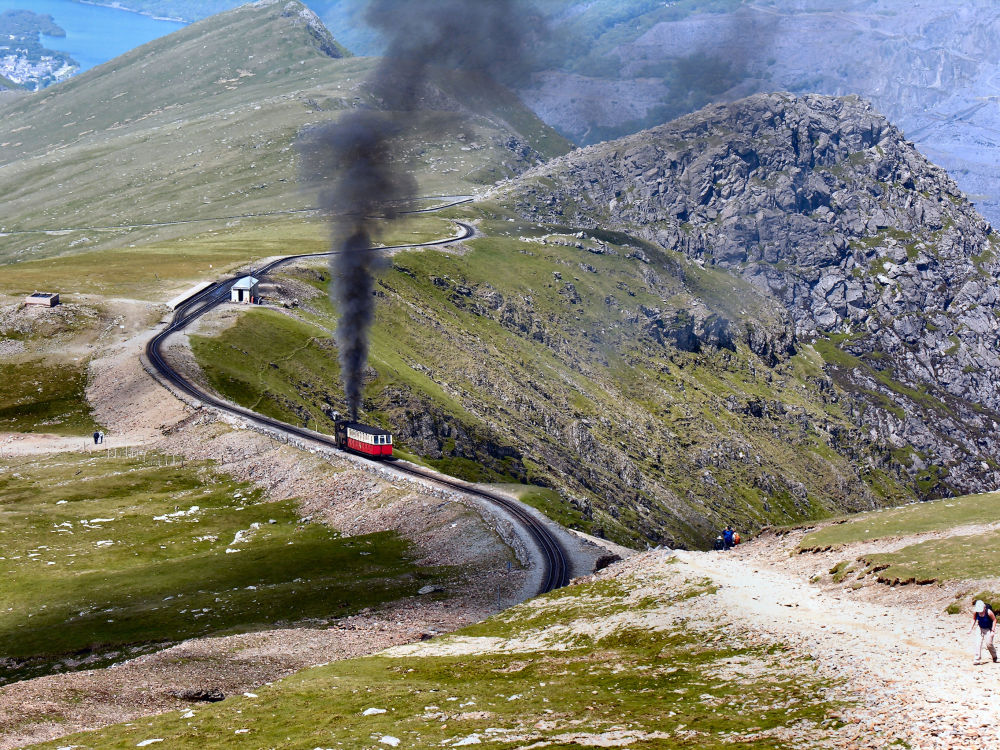 Vlak v severním Walesu (Velká Británie)