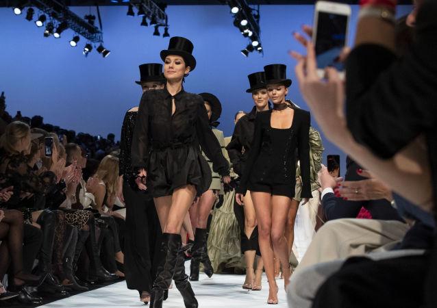 Modelky na módní přehlídce v Litvě.