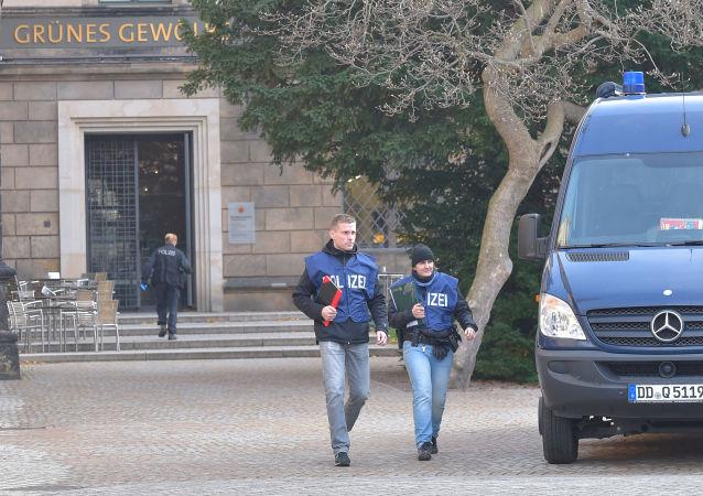 Policie u saské klenotnice Zelená klenba v Drážďanech