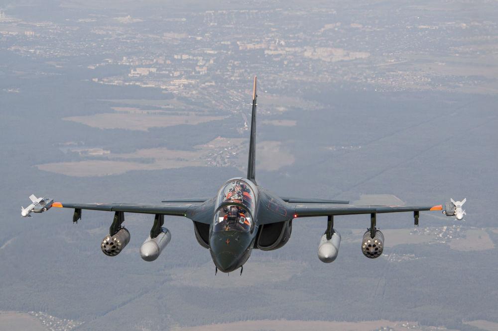 Ruský bojový cvičný letoun Jak-130