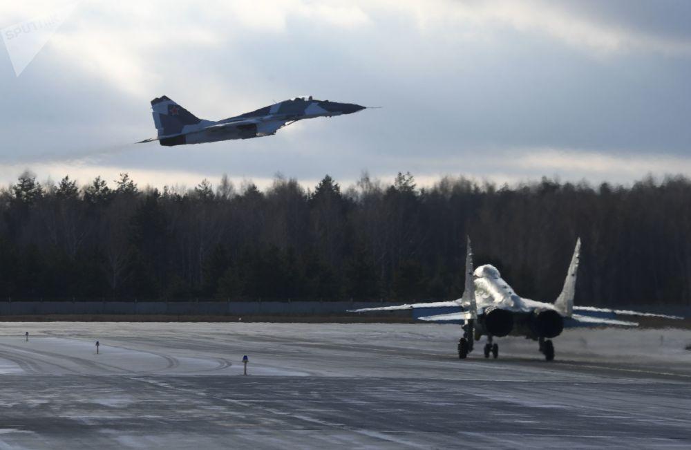 MiG-35 na testovacím prostoru Luchovického leteckého závodu