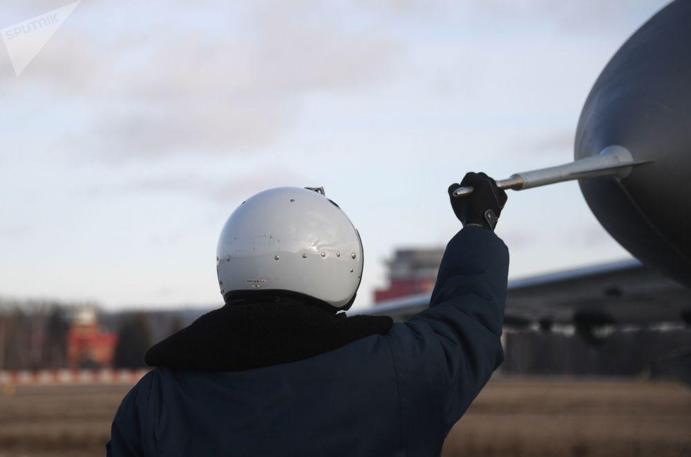 Zkušební pilot na testovacím prostoru Luchovického leteckého závodu