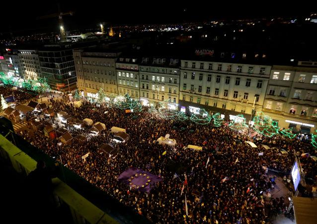 Demonstrace Milionu chvilek proti Andreji Babišovi na Václavském náměstí