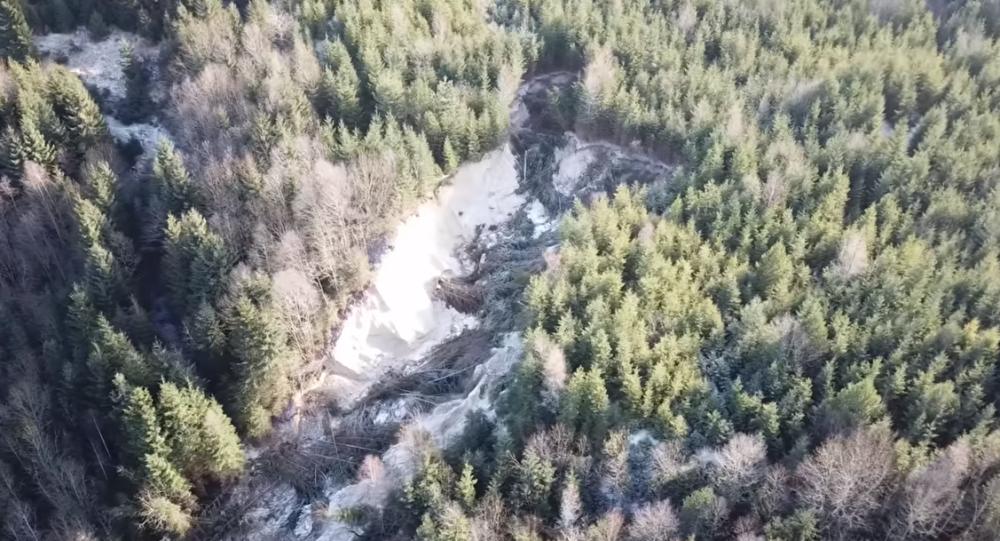 Muž se vydal do epicentra ekologické katastrofy na Slovensku. Podívejte se na to, co tam natočil