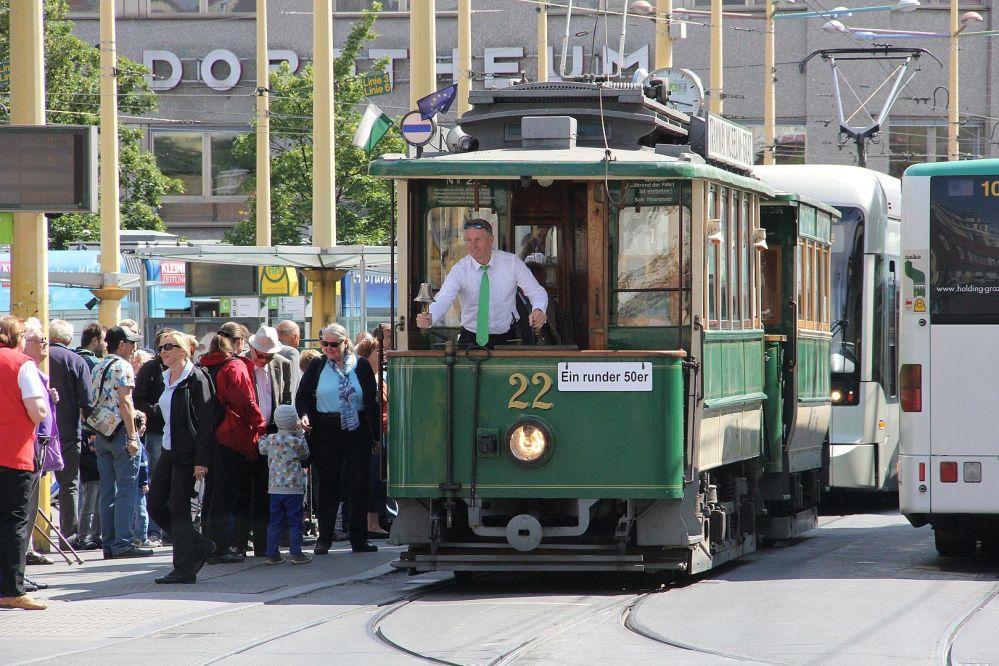 Starodávná tramvaj v rakouském městě Štýrský Hradec