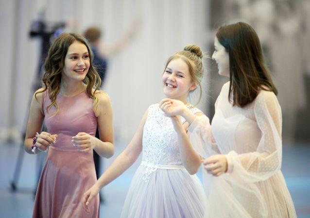 Kadetský ples v Krasnodaru: Takovým slavnostem předchází dřina