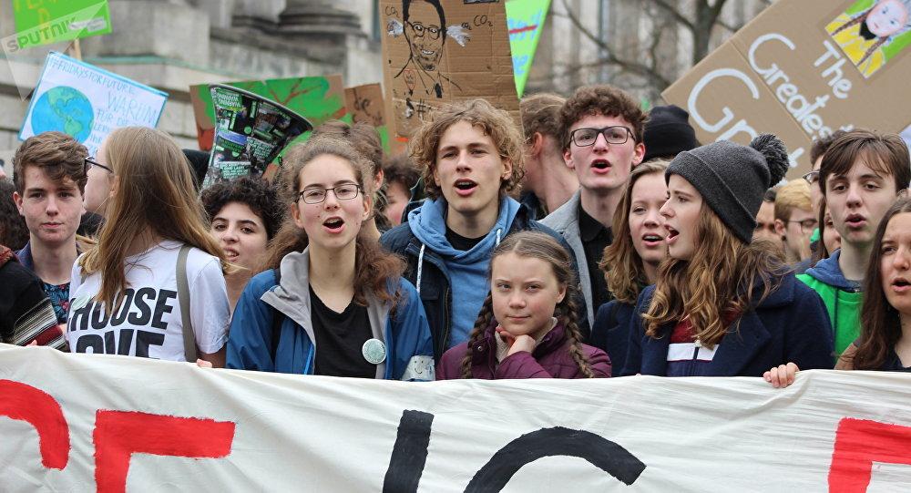 """Greta a """"Fridays for Future"""". Demonstrace v Berlíně"""
