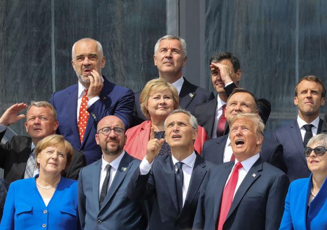 Lídři členských zemí NATO