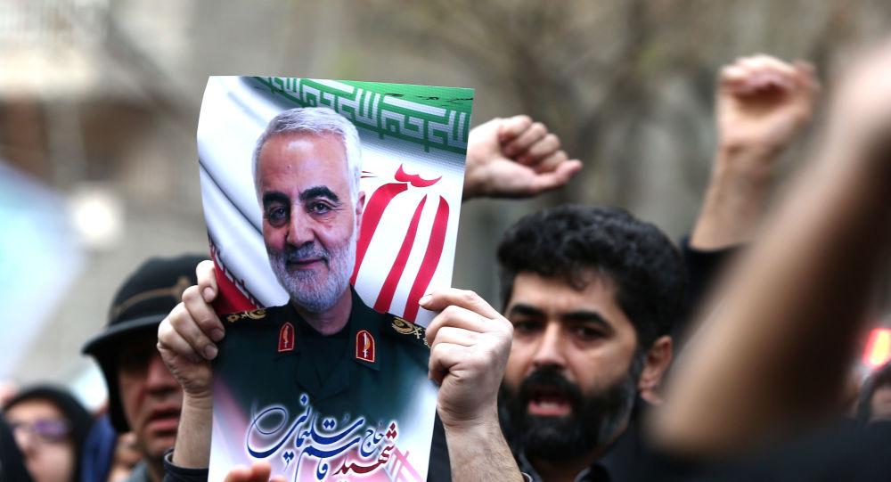 Protest proti zavraždění velitele speciálních íránských jednotek Quds Kásima Sulejmáního a zástupce velitele milice Abu Mahdi al-Muhandise 3. ledna 2020