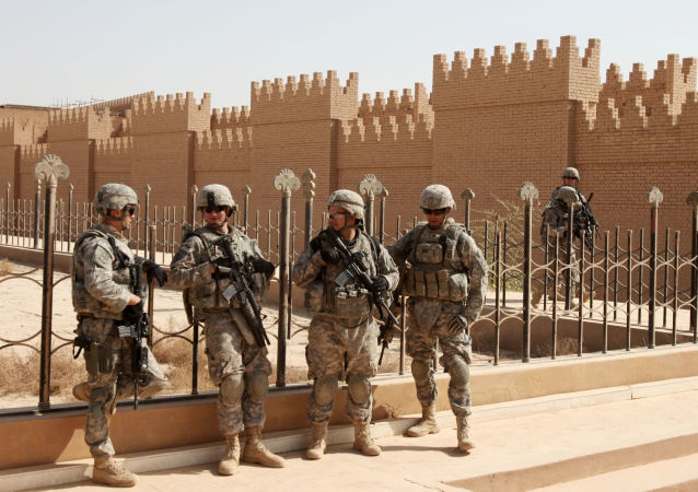Vojáci NATO v Iráku.
