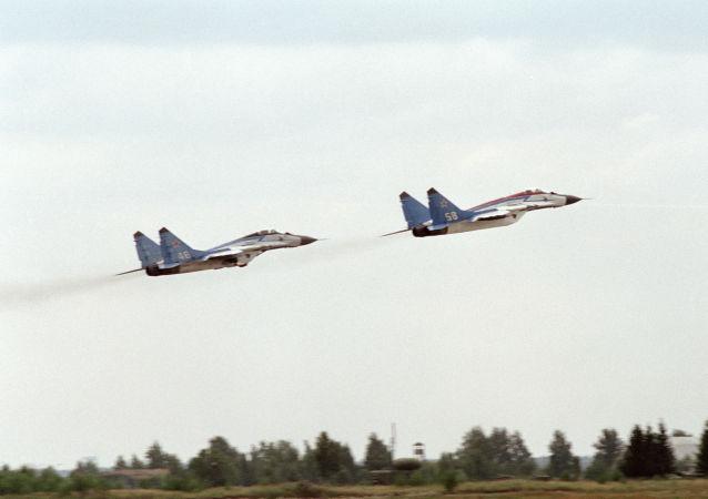 Stíhačky MiG-25