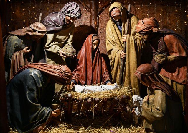 Vánoční betlém v Katedrále Petra a Pavla v Simferopolu.Vánoční betlém v Katedrále Petra a Pavla v Simferopolu