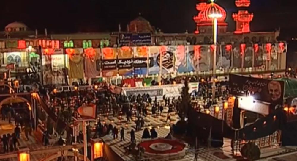 V íránském Kermánu probíhá pohřeb generála Sulejmáního