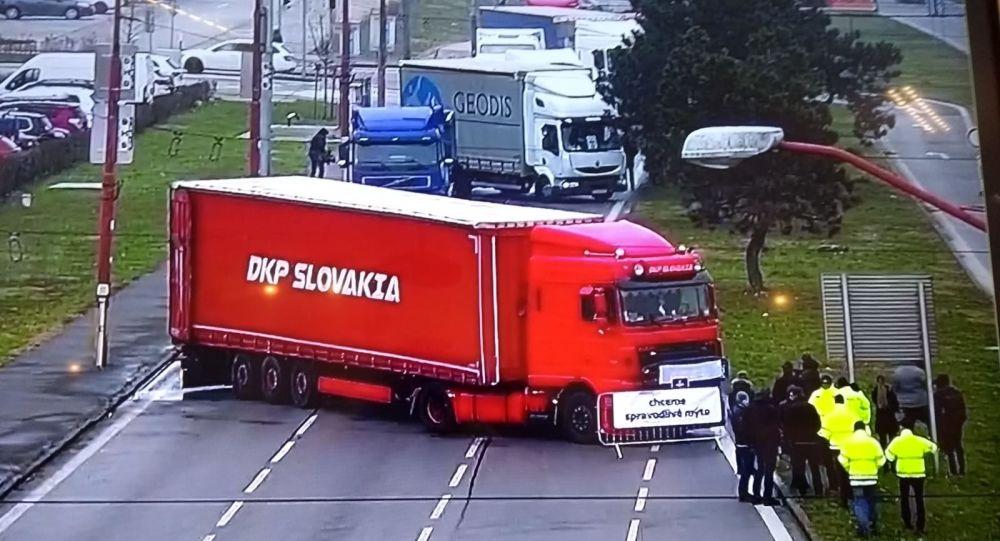 Stávka autodopravců na Slovensku