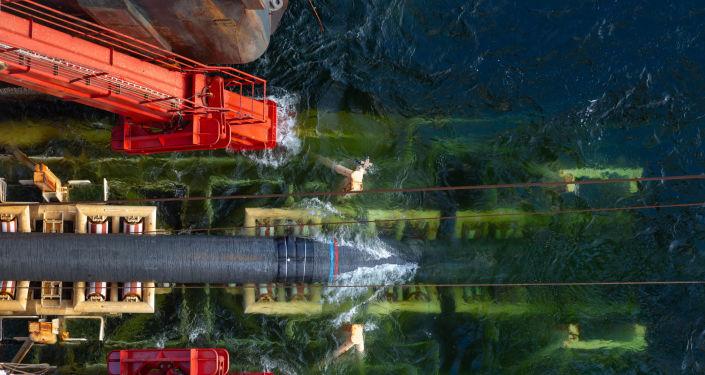 Pokládka plynových trubek pro Nord Stream 2