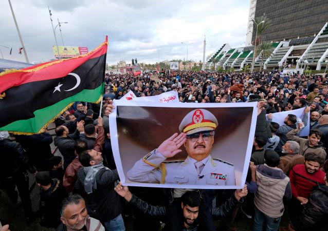 Protesty v Benghází kvůli rozhodnutí tureckého parlamentu ohledně vysílání vojáků do Libye