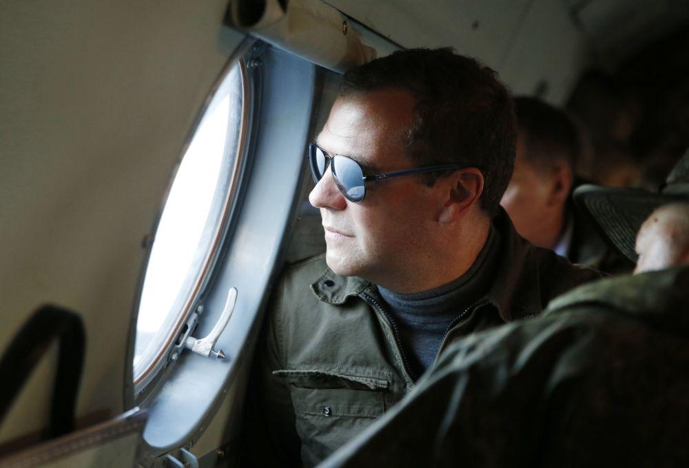 22. srpna 2015 – Ruský premiér Dmitrij Medveděv během návštěvy Kurilských ostrovů