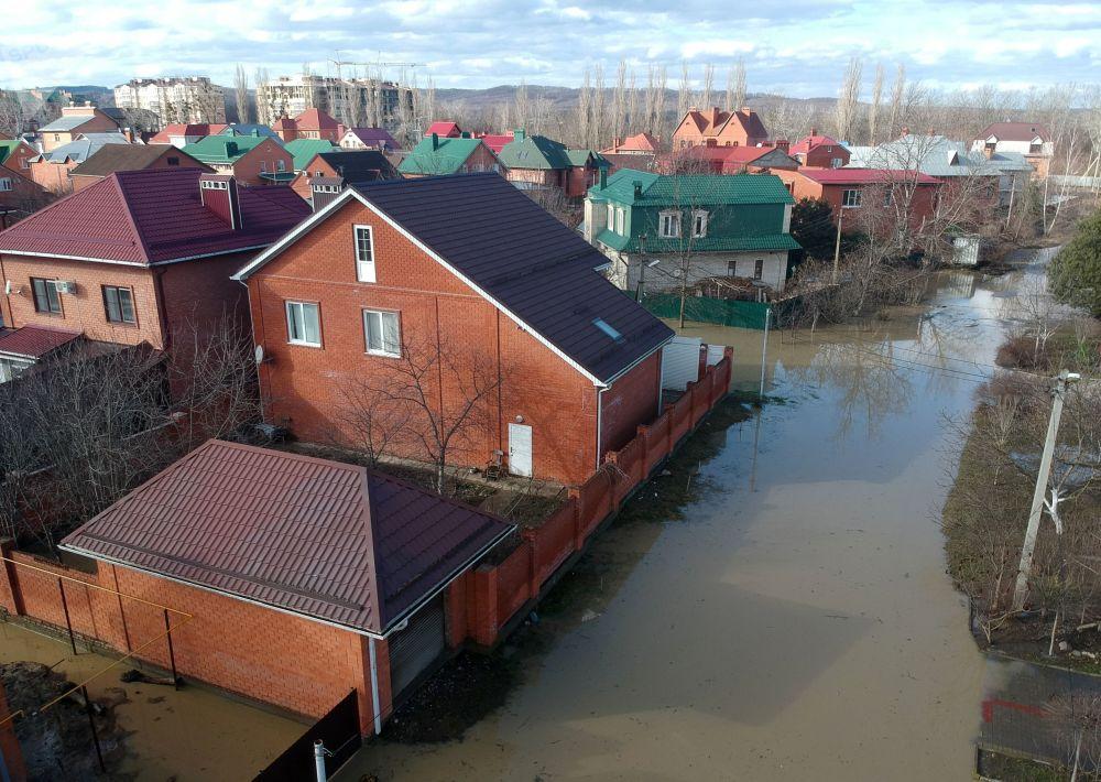 Zaplavená ulice ve městě Gorjačij Ključ Krasnodarského kraje