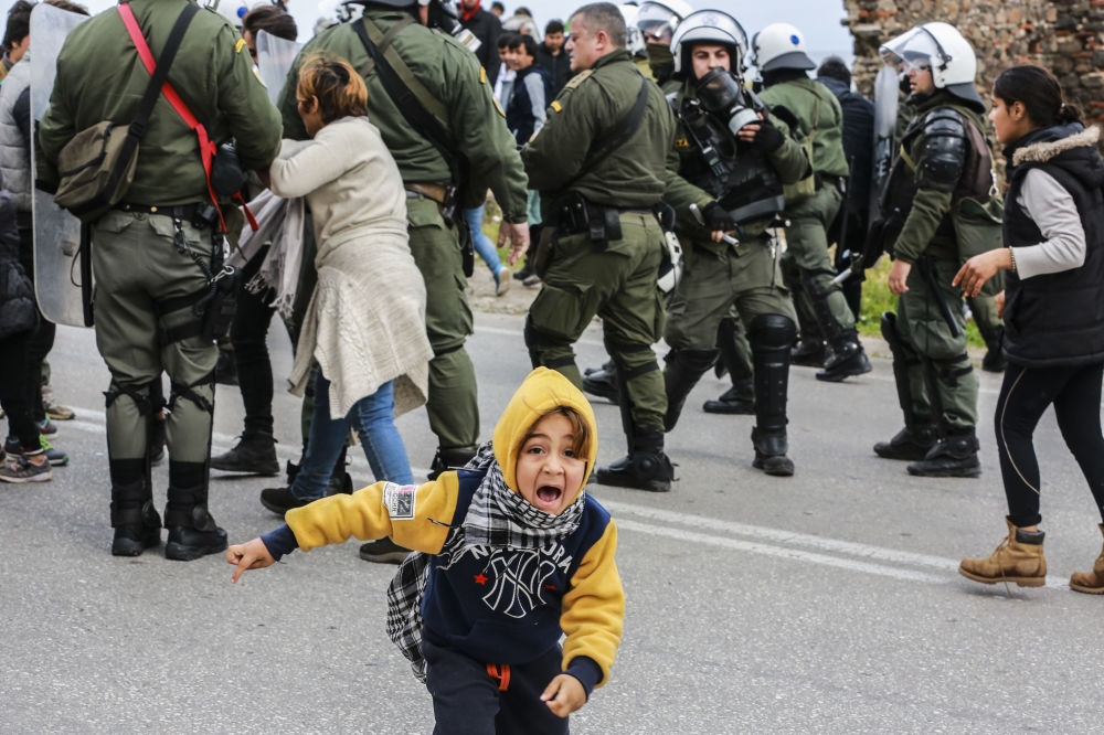 Střety migrantů a policie v uprchlickém táboře na ostrově Lesbos, Řecko