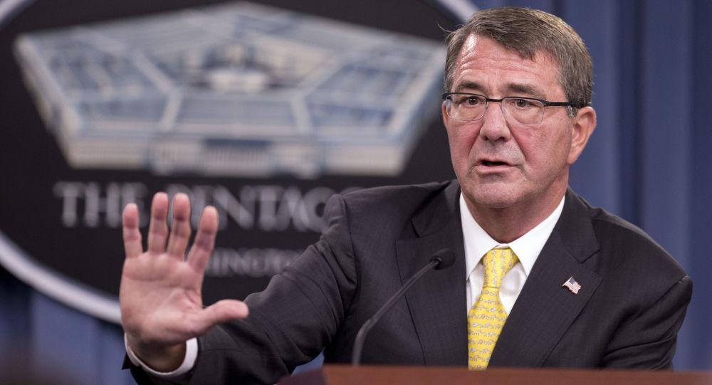 Ministr obrany USA Ashton Carter