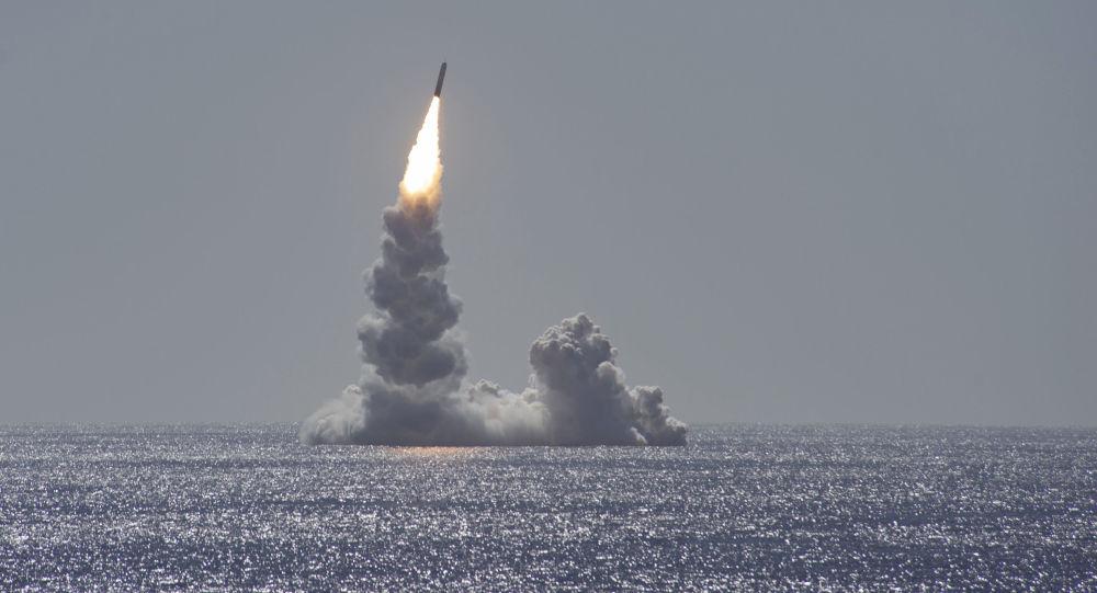 USA otestovaly balistickou raketu, která dokáže nést jadernou hlavici