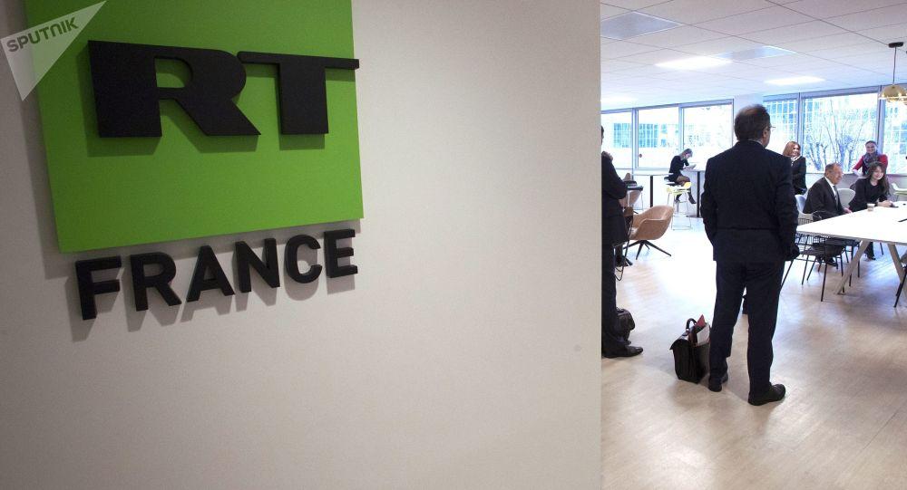 """""""Abychom se příliš neuvolnili."""" Pro RT bude pracovat bývalý šéf francouzské ekonomické rozvědky"""
