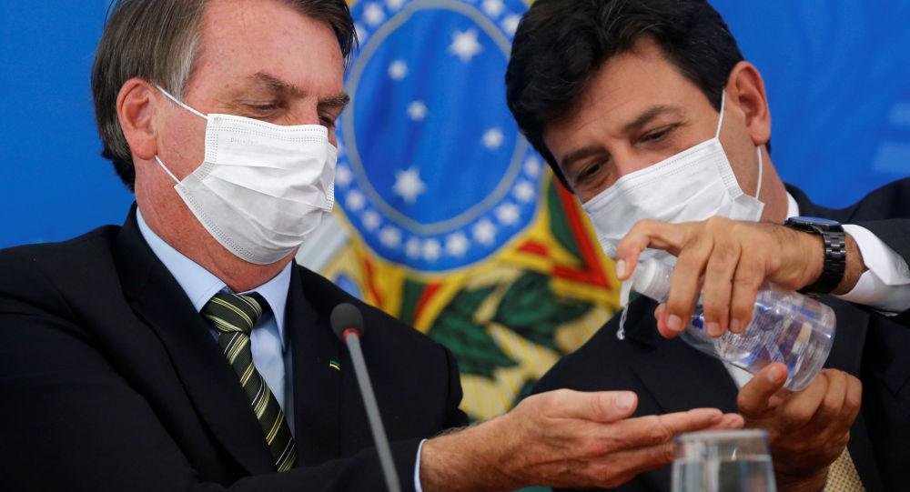 Twitter odstranil příspěvky brazilského prezidenta kvůli ignorování karantény