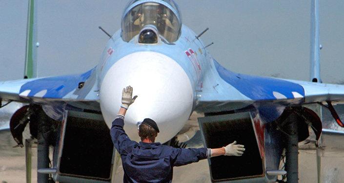 Ruská stíhačka Su-27 v Bělorusku