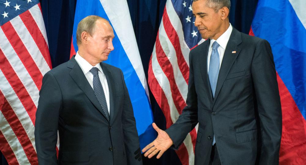 Ruský prezident Vladimír Putin a americký prezident Barack Obama
