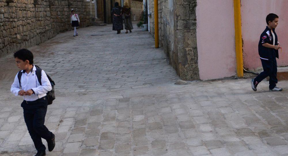 Od založení jednoho z nejstarších měst – Derbentu – už uplynulo 2000 let. Přes Derbent vedla Hedvábná stezka