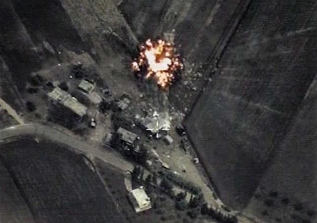 Bodové údery ruské letecké skupiny po objektech teroristické organizace ISIL v Sýrii.