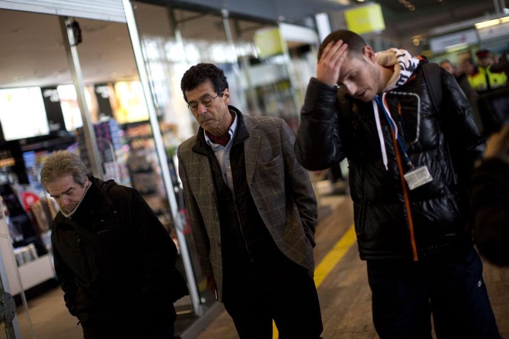 Příbuzní cestujících havarovaného letu na letišti v Barceloně
