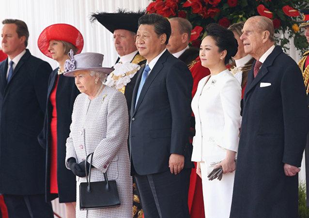 Britská královna Elizabeth II. během náštěvy čínského prezidenta v Londýně