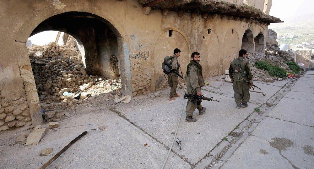 Kurdské oddíly začaly osvobozovat irácké město Sindžár od IS