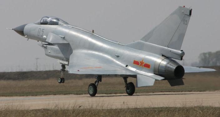 Čínská stíhačka Chengdu J-10