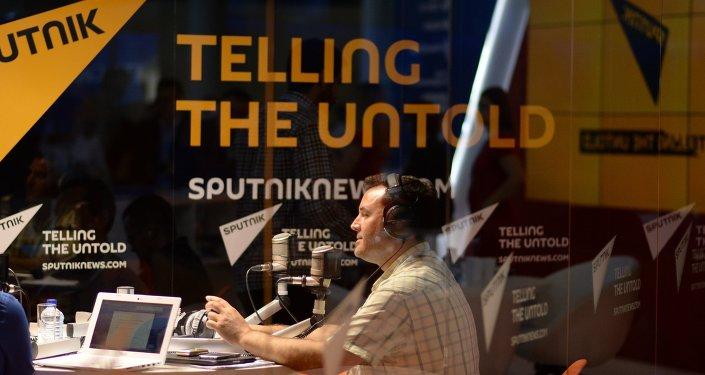 Rozhlasové studio Sputniku během SPIEF-2015
