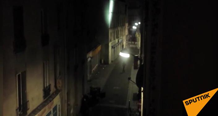 Exkluzivní video: Antiteroristická operace francouzské policie v Saint-Denis