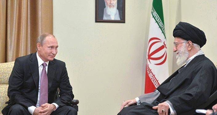 Putinův rozhovor s Chameneím trval déle, než se plánovalo – Kreml