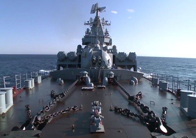 Ruský křižník Moskva dorazil k pobřeží Lázikíje