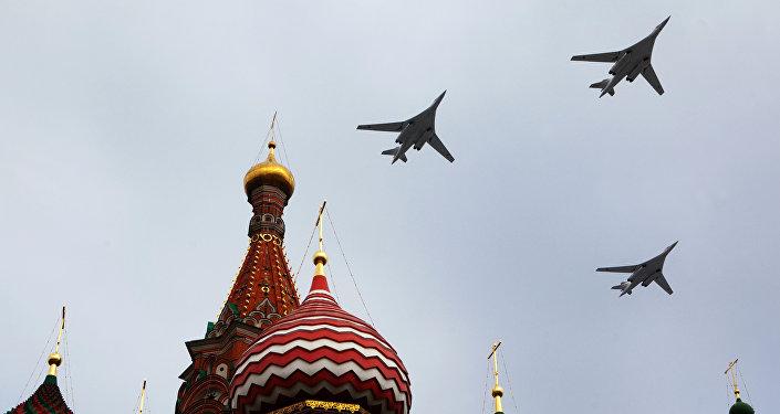 Dálkové strategické bombardéry během přehlídky Vítězství 9. května v Moskvě