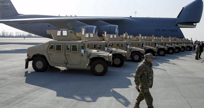 Americké vojenské automobily HMMWV (Humvee) na Ukrajině