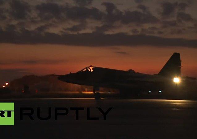 Na ruské základně v Sýrii zpozorovali vrtulníky Mi-35