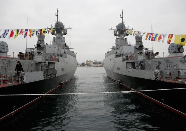 Lodě Serpuchov v Sevastopolu. Archivní foto