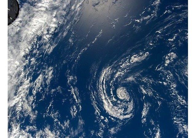 Nad oceánem a mraky. Ilustrační foto