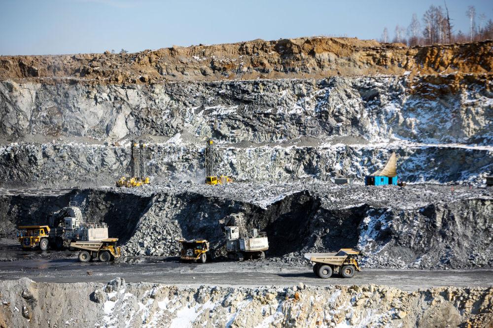 Těžba a zpracování zlatonosné rudy v Amurské oblasti