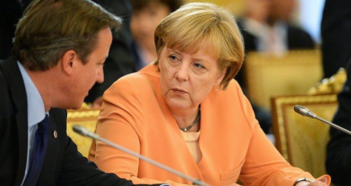 David Cameron a Angela Merkelová