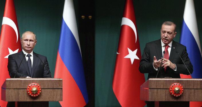 Turecký prezident Recep Tayyip Erdogan a ruský prezident Vladimir Putin