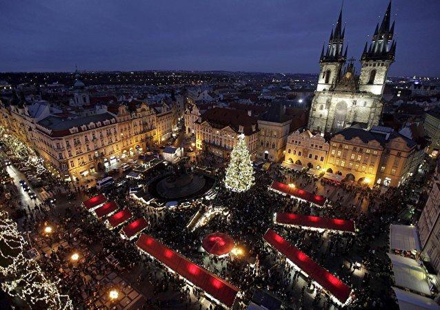 Vánoční strom na Staroměstském náměstí v Praze